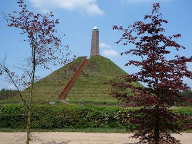 Pyramide van Austerlitz - omgeving Landgoed Zonheuvel Doorn